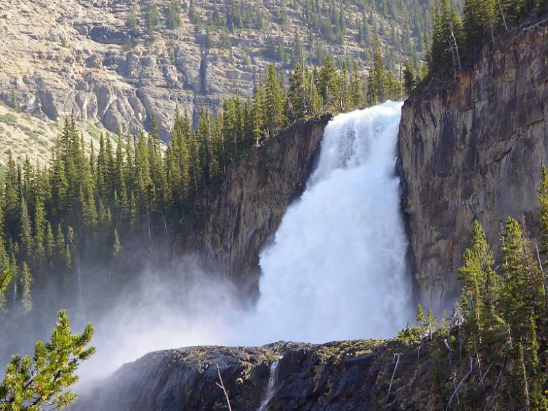 Cascada emperador en Mont Robson Park