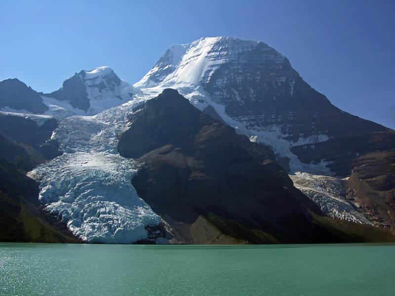 Lago Berg y Monte Robson