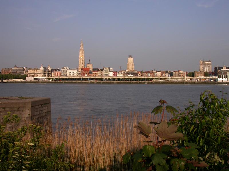 Vista de Amberes desde Sint Anna. Amberes. Bélgica