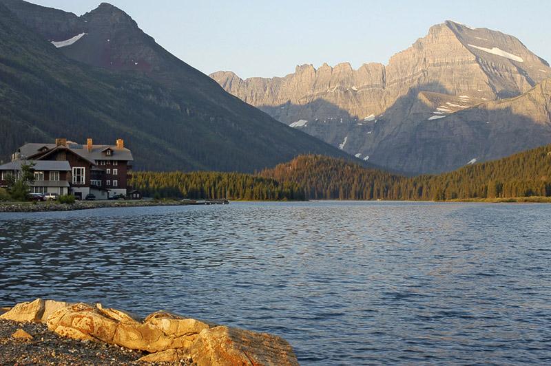 Glaciers Swiftcurrent Lodge Lake