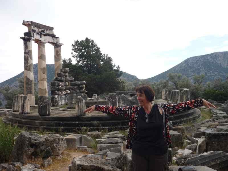Delfos, Tholos (Templo) de Palas Atenea Pronaia