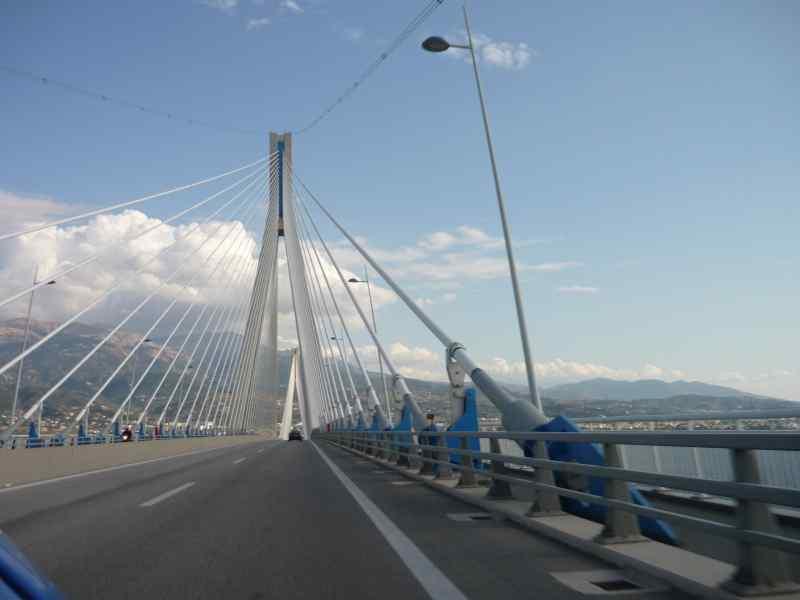 Golfo de Corinto, Puente