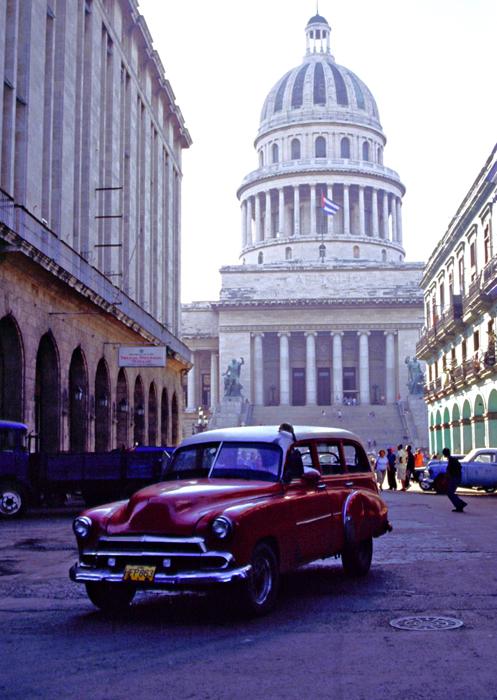 Coche y Capitolio