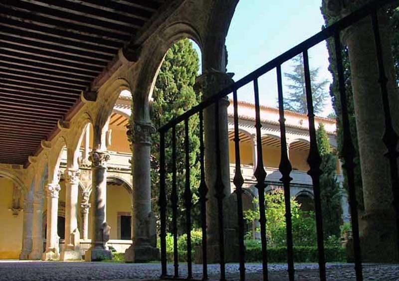 claustro-monasterio-de-yuste