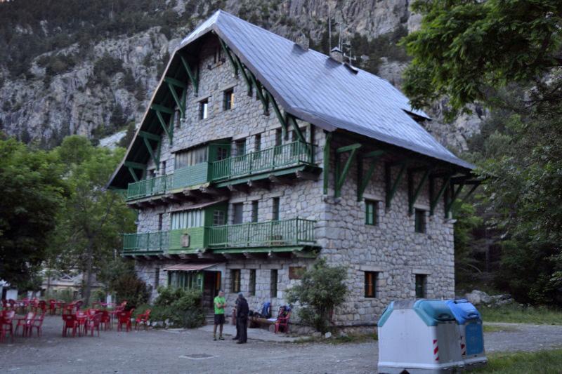 Refugio casa de Piedra-Pirineos