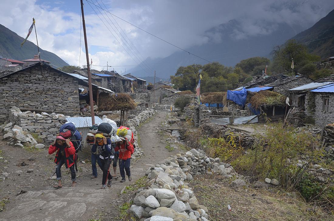 Sama, cordillera del Himalaya, Nepal