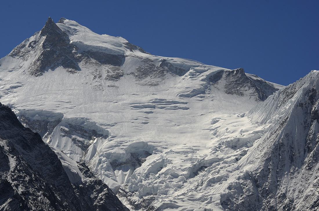 Manaslu, cara noreste, cordillera del Himalaya, Nepal