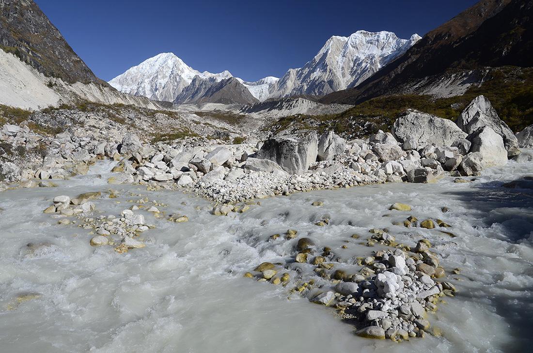 Leche glaciar, cordillera del Himalaya, Nepal