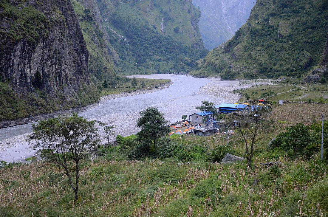 Jagat, cordillera del Himalaya, Nepal