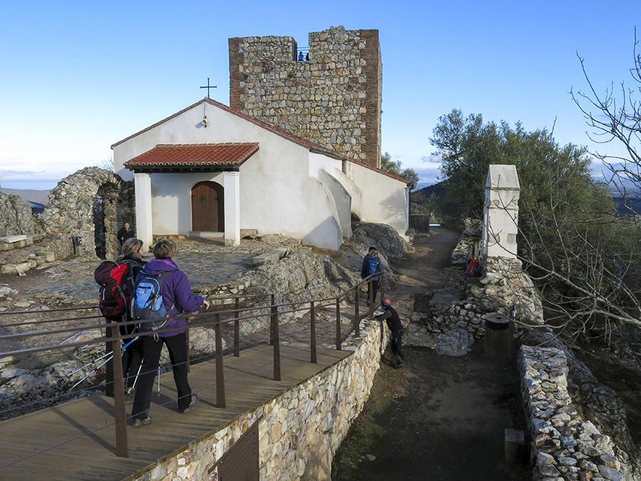 Ermita y castillo de Monfragüe