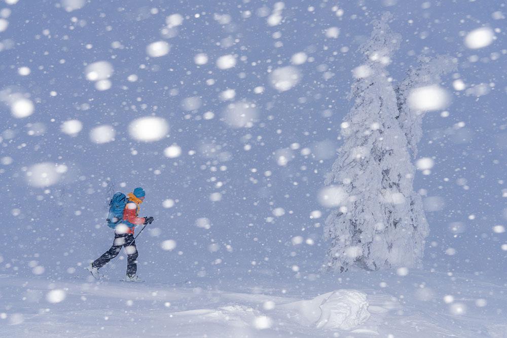 SNOWFALL - GUNAR STREU (SUECIA) - Mención de Honor: Hombre en Montaña-Naturaleza