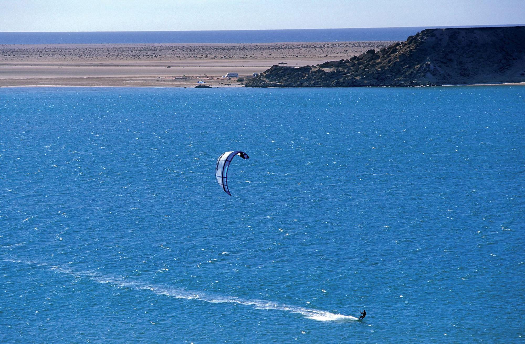 Windsurf en DAKHLA-Marruecos