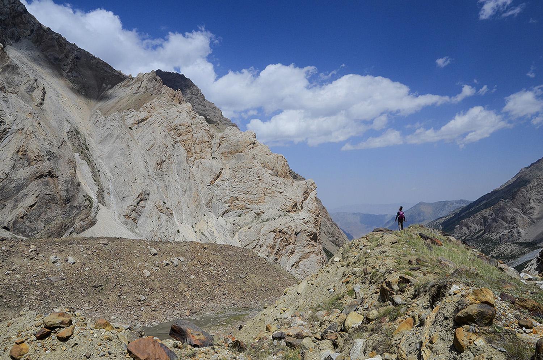 Morrenas bajo el pico Ak Suu 5355m