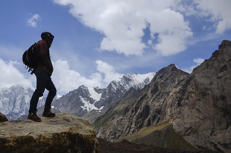 Pyramidalny 5.509m-Kirguistán