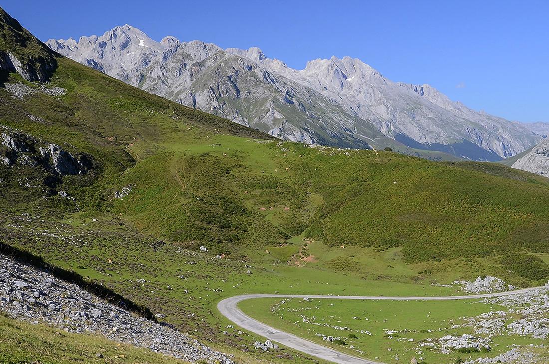 Carretera Sotres-Tresviso-Picos de Europa