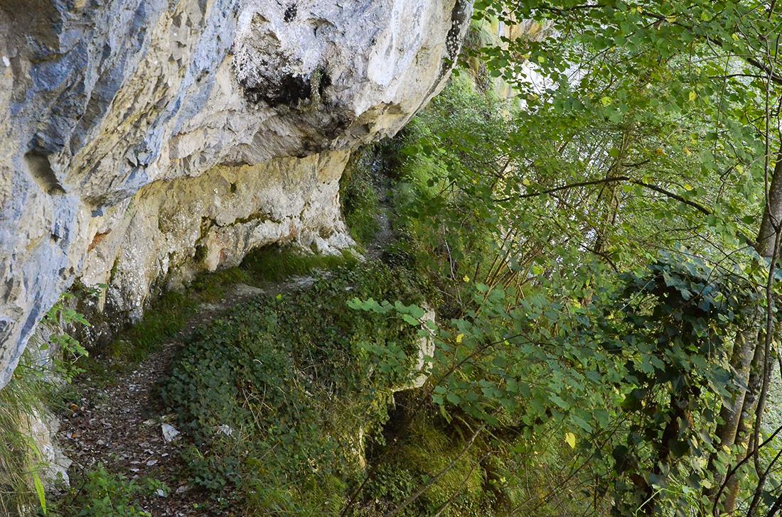 Senda del canal del Urdón-Cantabria