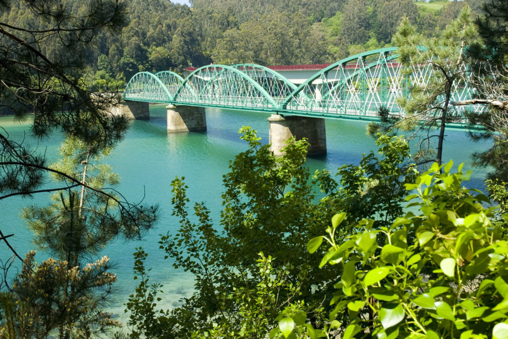 Puente sobre la ría del Sor-El Barqueiro