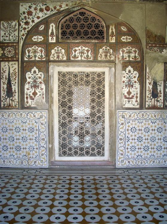 Detall del Pequeño Taj Mahal de Agra (tumba parecida a la del Taj Mahal) pero mucho más pequeña