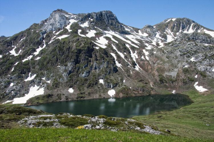 lago Cerveriz y picos Albos