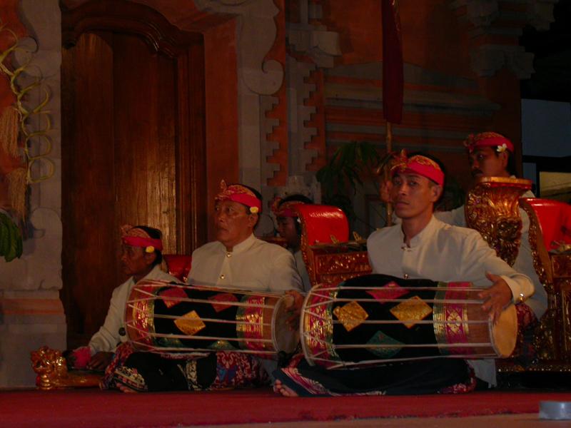 Orquesta. Ballet del Ramayana. Ubud. Bali. Indones