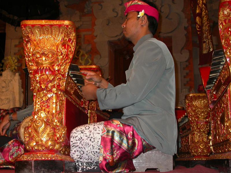 Músico de gamelán. Ubud. Bali. Indonesia