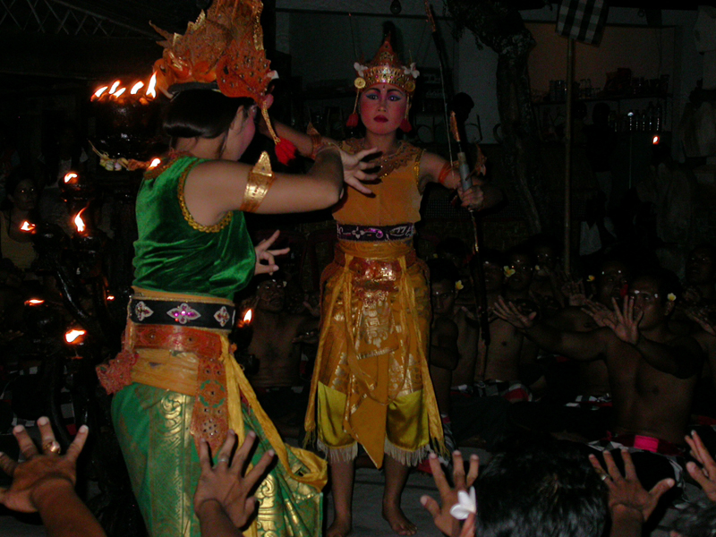 Danza del cacak. Ubud. Bali. Indonesia