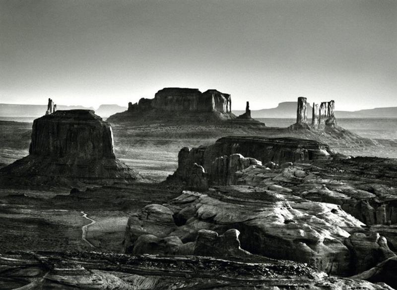 item15.rendition.slideshowWideHorizontal.monument-valley-national-park-0412