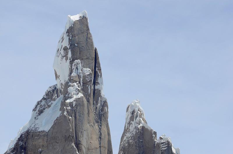 Cerro Torre y aguja Egger