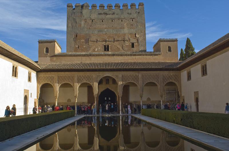 Patio de Arrayanes-Torre de comares-La Alhambra-Granada