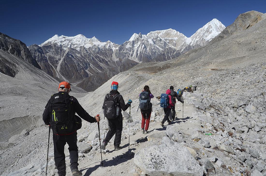 Iniciando el descenso, cordillera del Himalaya, Nepal