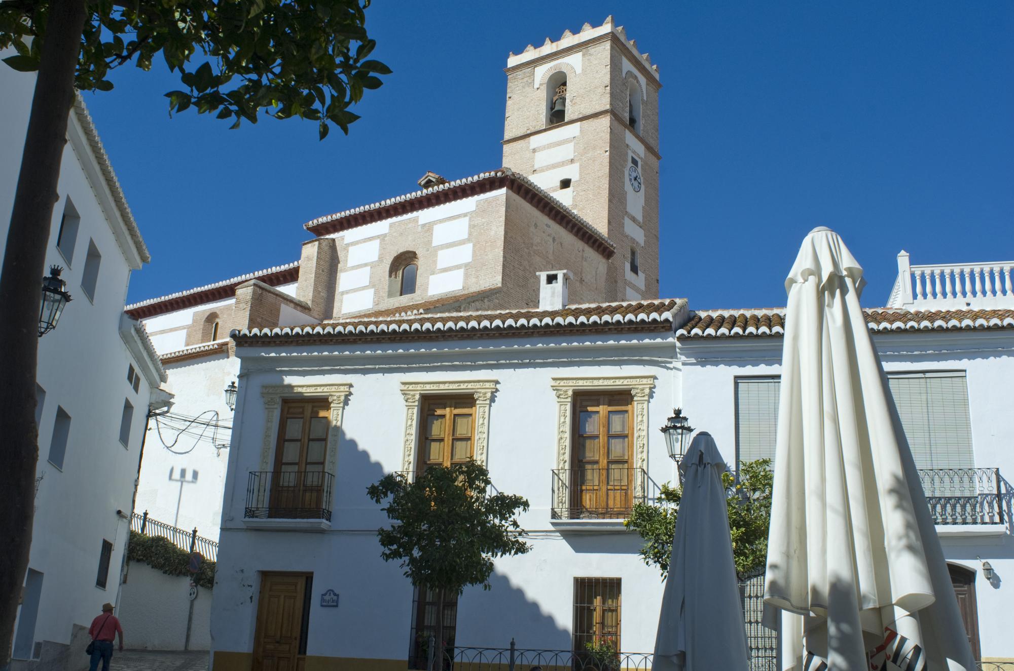 Plaza mayor y iglesia de Salobreña-Granada