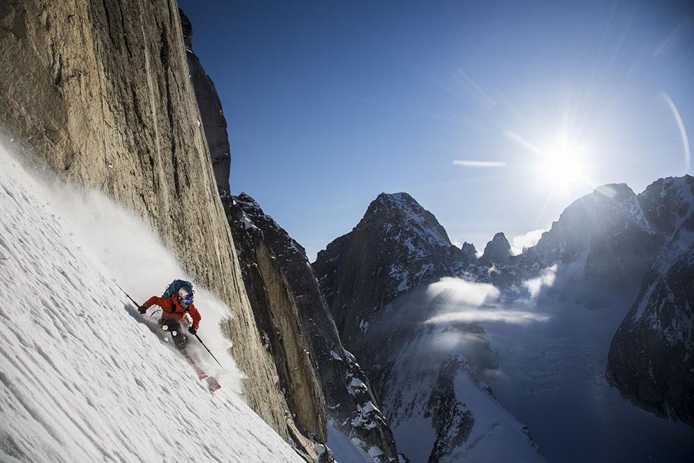 AMONGST THE GIANTS - CHRISTIAN PONDELLA (USA) - Mención de Honor: Alpinismo y Deportes de Invierno