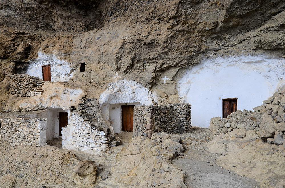 Casas-cueva en Acusa Seca