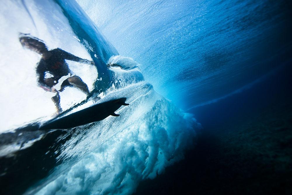 TEAHUPOO SURFER - KRYSTLE WRIGHT (AUSTRALIA) - Mención de Honor: Aventura