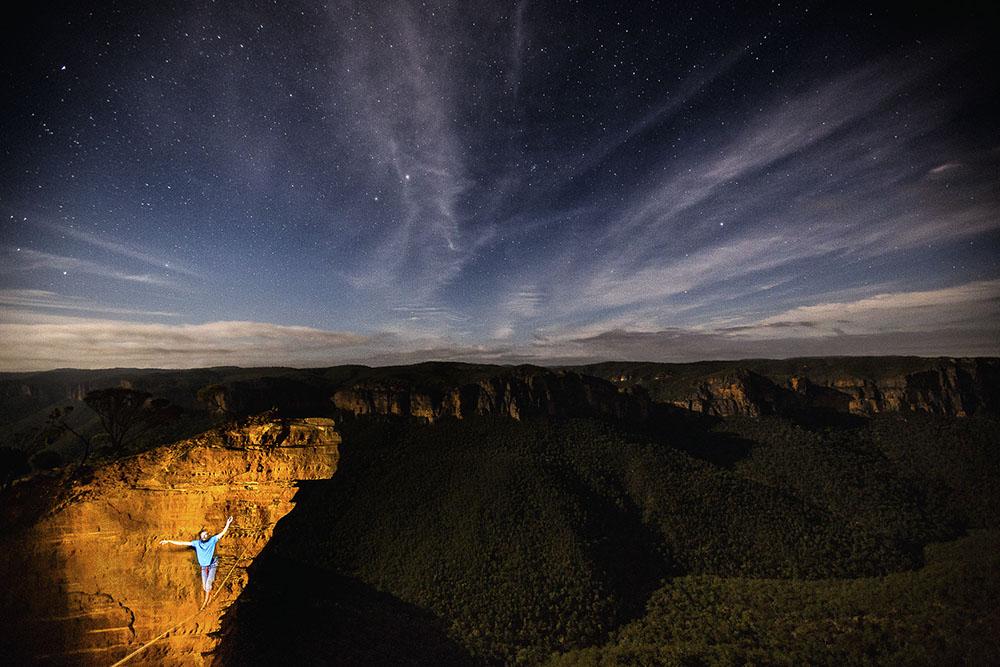 NIGHT BALANCE - KAMIL SUSTIAK (AUSTRALIA) - Mención de Honor: Aventura
