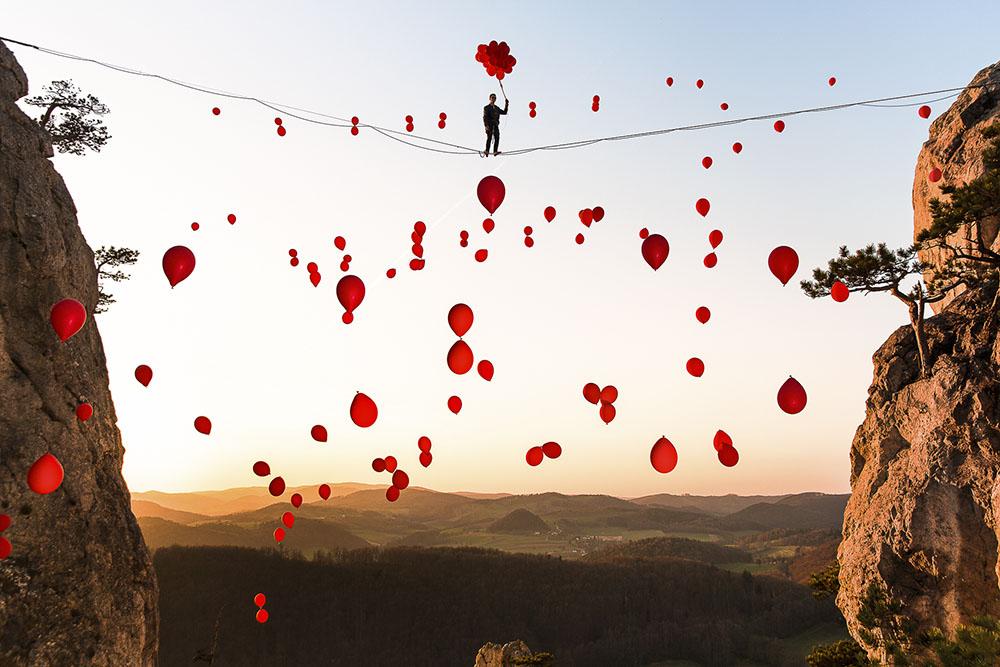 99 RED BALLOONS - SEBASTIAN WAHLHUETTER (AUSTRIA) - Mención de Honor: Aventura