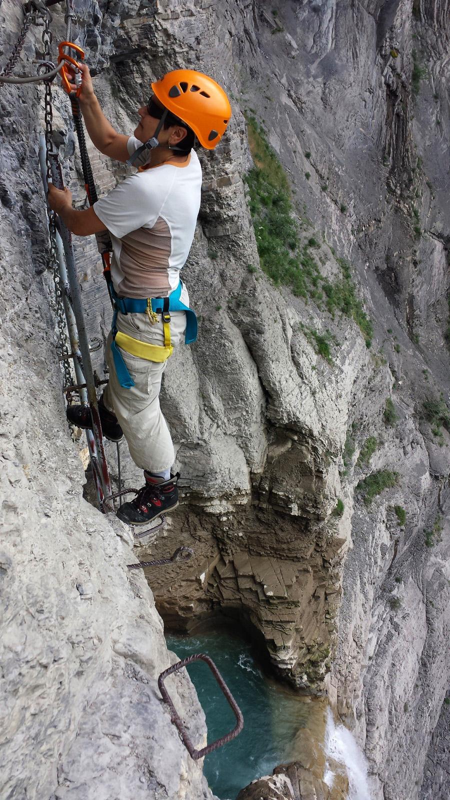 Cascada de Sorrosal en Broto. Vía Ferrata-Pirineos