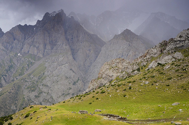 Tempestad sobre Orto-Chashma-Kirguistán
