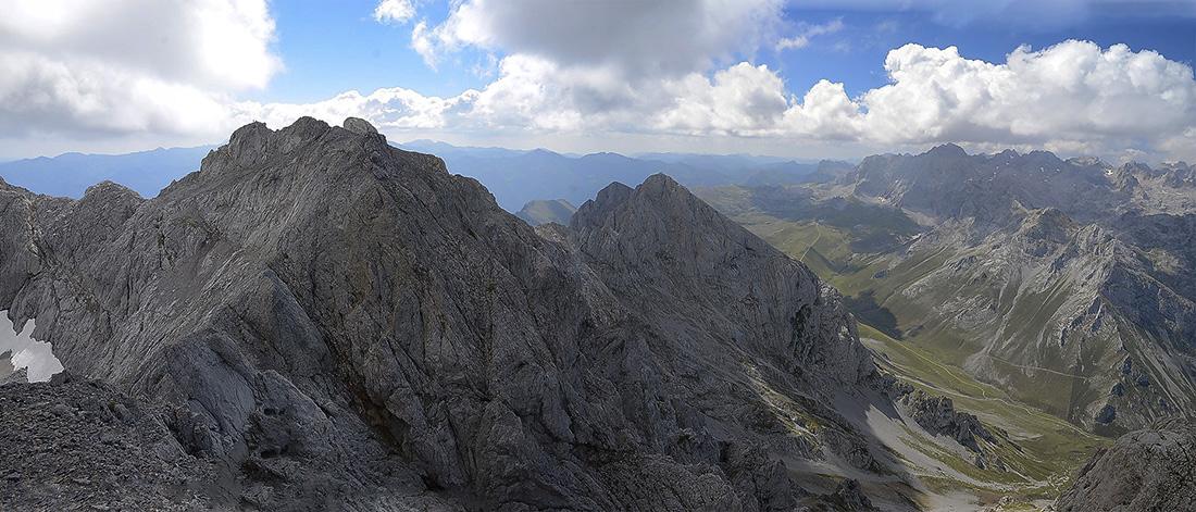 Picos del Jierro y Cortés sobre Áliva-Picos de Europa