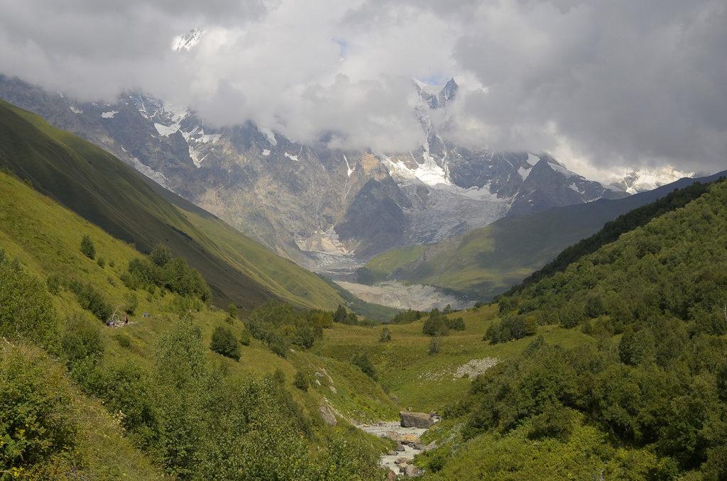 Glaciar-Zaresho-Khalde-Georgia