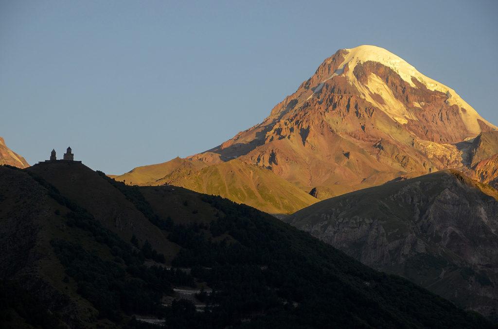 Gergeti-y-Kazbek-Georgia